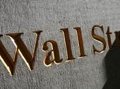 Wall Street scende, limita danni
