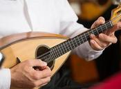 passeggiata musicale chitarre mandolini. Appuntamento Gregorio Armeno