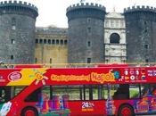 Video. Giro turistico City Sightseeing: finestra sulla bella Napoli