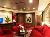 Divina omaggia Sophia Loren dedicandole un'intera suite
