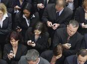 Usare smartphone tavola: buoni motivi farlo!