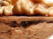 Noci arachidi proteggono dalle principali cause morte