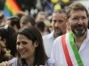 Roma pride, Ignazio Marino festeggia capitale piange