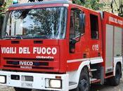 Scoppia incendio Napoli: distrutti capannoni cinesi