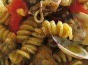 Fusilli salsa fiori, vongole calamari