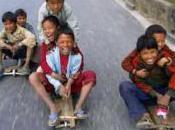 Nepal: auto, moto, ricostruzione. Tutto fermo