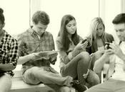 Adolescenti Social Network, sempre dipendenti
