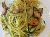 Spaghetti cozze zafferano zucchine