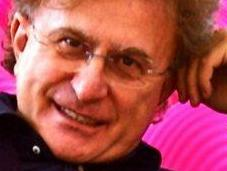 "Ronnie suoi auguri Natale ""sceglie"" voce Valerio Scanu."