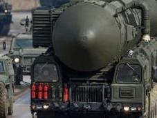 Allarme N.A.T.O.: missili russi Topol attivati