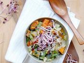 Zuppa detox germogli barbabietola Detox veggie soup with beetroot sprouts