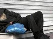 Morire povertà l'indifferenza delle Istituzioni