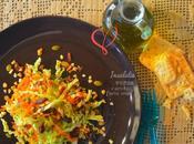 Insalata ricca verza, carote frutta secca