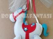 tenero fiocco nascita forma cavallino dondolo