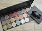 Magnetic palette