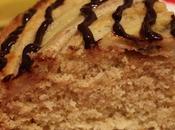 Torta cocco, banane salsa cioccolato