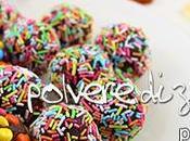 Caramelle torta ricoperte confetti codette colorate