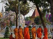 """Phnom Penh, tempo """"perla dell'Asia""""…"""