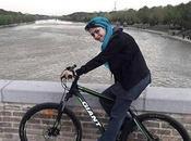 Nonostante fatwa Khamenei, donne iraniane continuano pedalare!