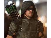 """Arrow"" 100° episodio: Robert Queen Laurel) 'risorgeranno' crossover serie"