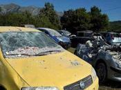 Terremoto, auto distrutta: come limitare guai
