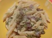 Penne Carbonare piselli salsiccia pepe.