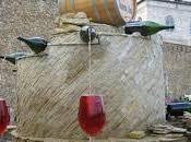Abruzzo fontana distribuisce vino tutti cittadini gratuitamente