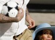 Spot Pepsi: Sofia Vergara David Beckham butta cagnara