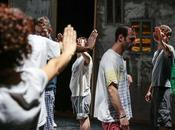 STRAVAGANZA dicembre scena spettacolo teatrale LOTTATORI SGUARDI SOLLEVANO VENTO NICCOLO' AGLIARDI