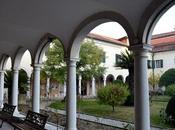 Visita all'isola Lazzaro degli Armeni, solitudine segreti sulla laguna Venezia