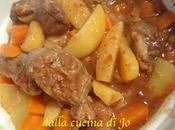 Guance manzo verdure nella slow-cooker