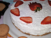 Chessecake senza cottura: cocco, ananas fragole.