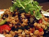 Insalata farro germogli basilico