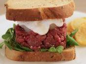 Tartare burger cavallo stracciatella cipolline agrodolci