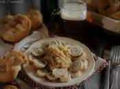 Arrostini pollo alla birra, crauti bretzel ricette tipiche dell' Oktoberfest