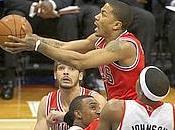 Dallas Lakers. Rose trascina Chicago