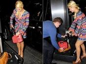 Paris Hilton senza benza