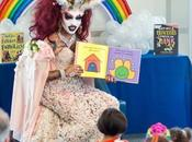 """LGBTQ: Drag Queen """"satanica"""" tiene lettura bambini alla Michelle Obama Public Library"""
