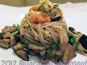 Noodles funghi shiitake gamberi