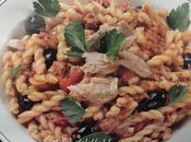 Pasta sugo tonno olive