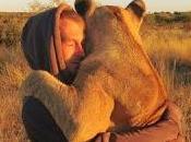 storia d'amore Valentin leonessa. salva vita, abbraccia
