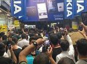 Manifestazioni massa Teheran contro caro vita. folla invoca cambio regime!
