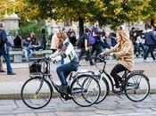 America Latina sempre pendolari preferiscono bicicletta come mezzo trasporto.