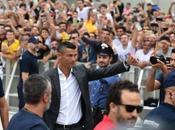 "VIDEO. Ronaldo sbarca Torino partono cori: ""Vesuvio lavali…"""