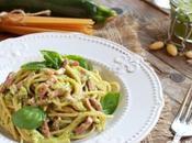 Spaghetti pesto zucchine speck