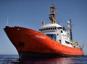 Immigrazione:Aquarius approda Malta migranti bordo