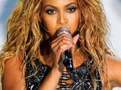 Beyoncé copia Lorella Cuccarini Billboard Awards 2011