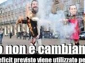 studenti tornano Piazza bruciano manichini Salvini Maio.