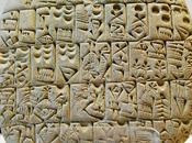 Archeologia. Evoluzione dell'uomo economia sono discipline legate doppio filo. Sumeri l'avevano capito oltre 5000 anni inventarono scrittura cuneiforme formulare contratti. Riflessioni Pierluigi Montalbano