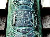 Gibilterra, dove regna Giarrettiera, simbolo Regno Unito.